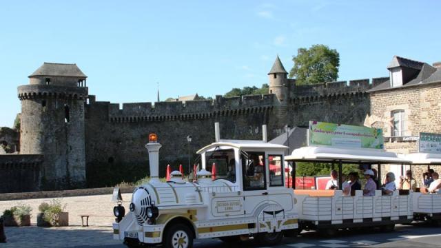 Petit train touristique de Fougères