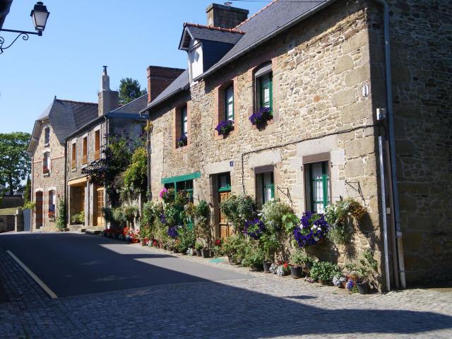 Bazouges-la-Pérouse, Petite Cité de Caractère