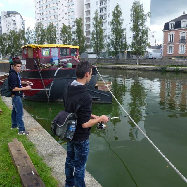 Street-fishing, Rennes