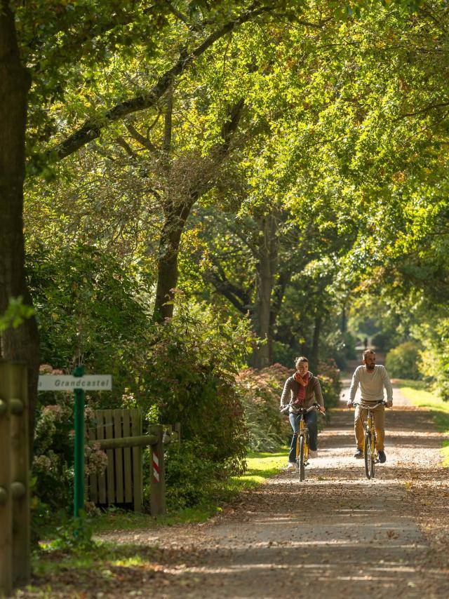Randonnée vélo dans le Poher au carrefour des Voies Vertes, de la Vélodyssée et du Canal de Nantes à Brest