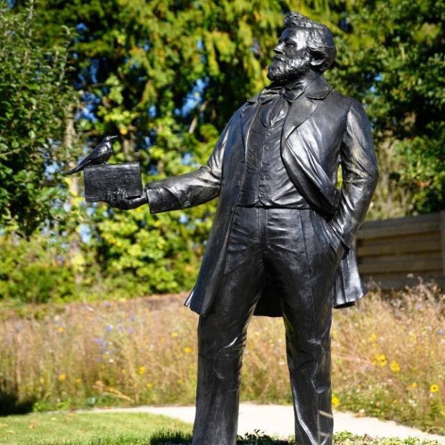 Statue d'Anatole Le Braz