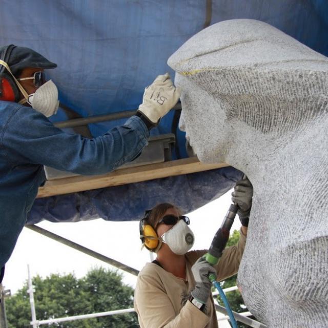 Finition d'une sculpture