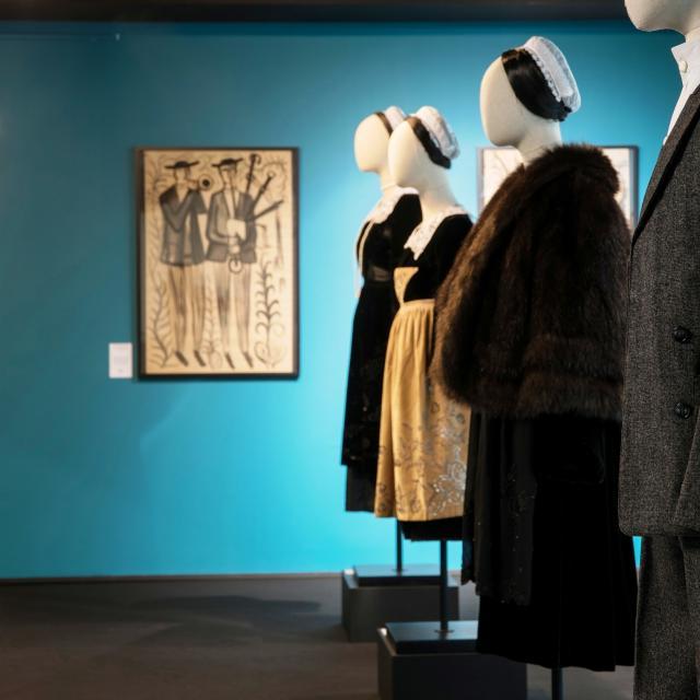 Costumes bretons à Mari Eugénie