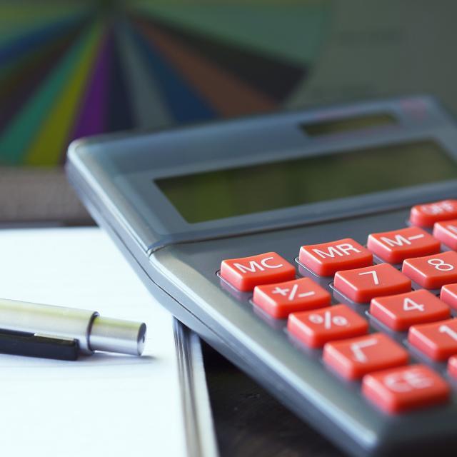 24-calculator-723925-1920.jpg