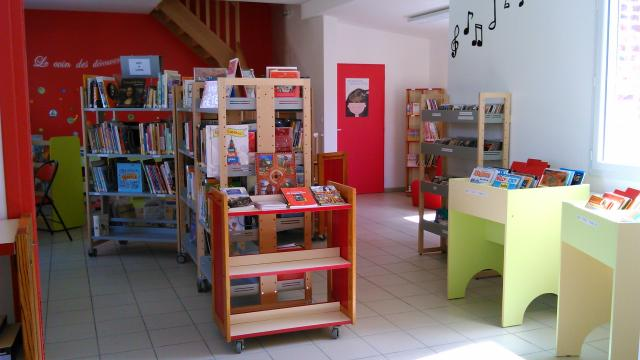 Etalondes Bibliotheque (2)