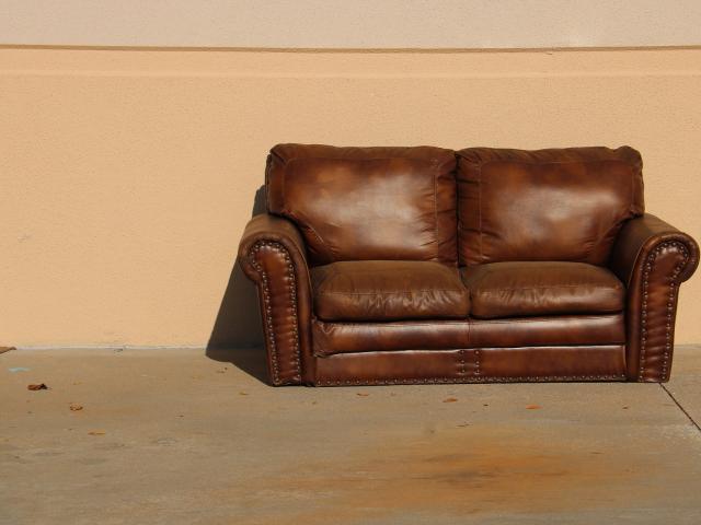 sofa-5127065-1920.jpg