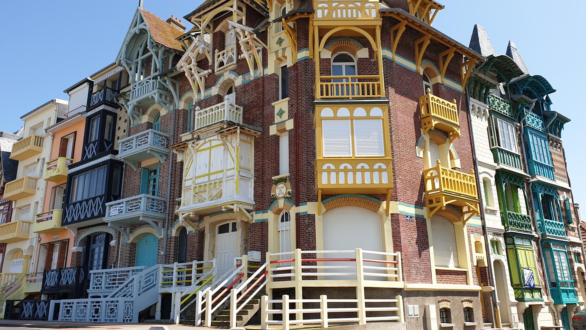 Les façades colorées des maisons de Mers-les-Bains