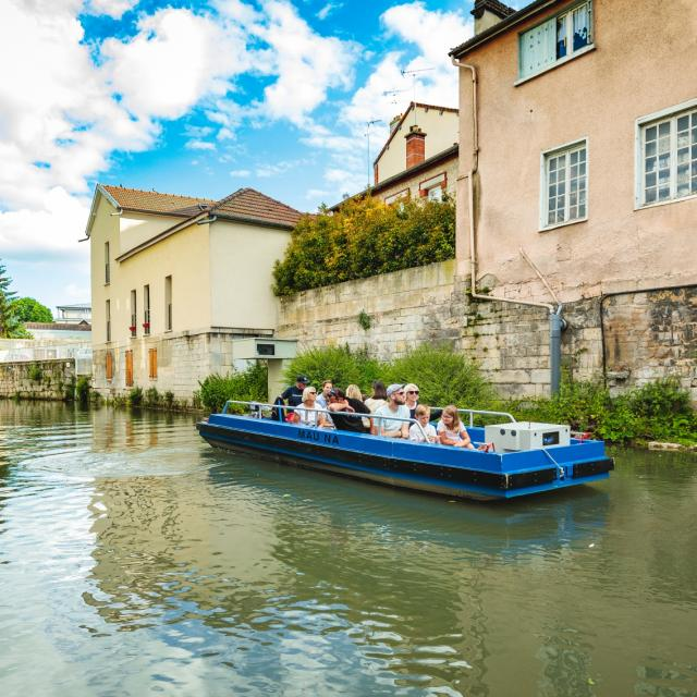 Balade En Barque Eaudyssee Famille Canal Mau © Teddy Picaude