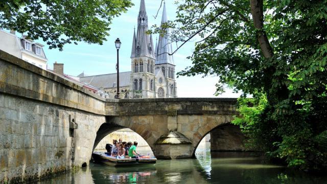 Balade En Barque Eaudyssee Notre Dame En Vaux © David Billy