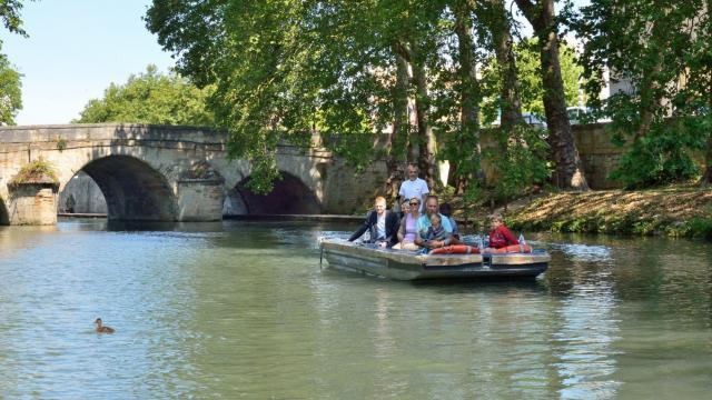 Balade En Barque Eaudyssee Pont Des Mariniers © David Billy