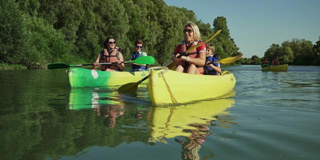 Balade En Canoe La Marne Chalons Pelles Chalonnaises Famille © Marat Anaev