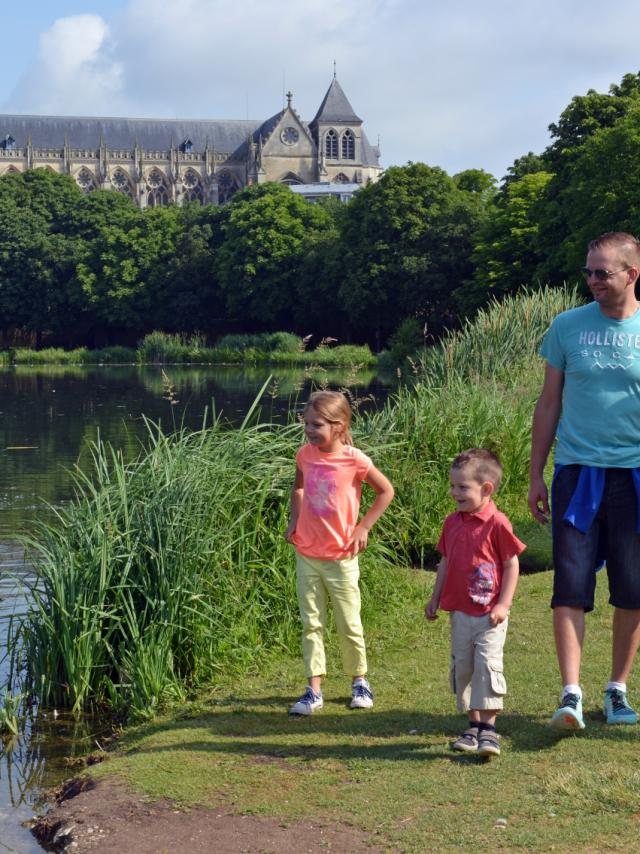Balade En Famille Chalons Grand Jard Cathedrale © Christophe Manquillet