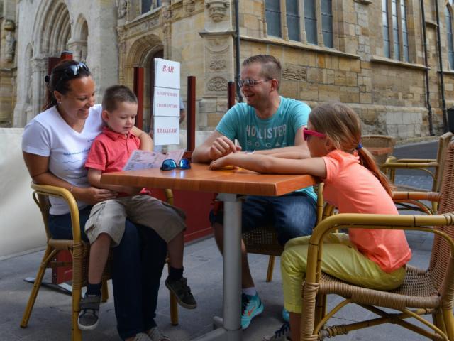 Balade En Famille Chalons Pause En Terrasse © Christophe Manquillet