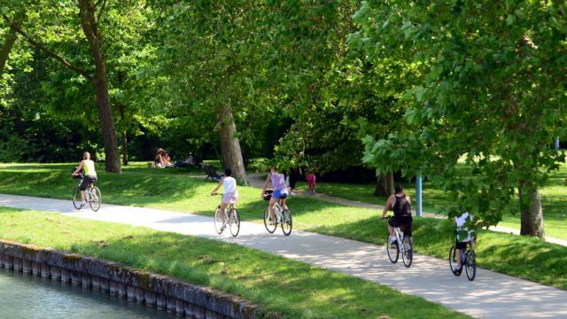 Balade En Velo Canal Jards Marne © Office De Tourisme