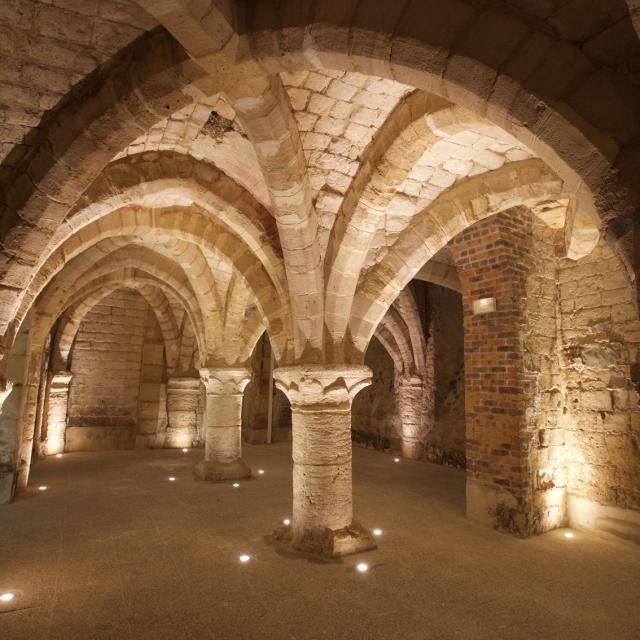 Caves Medievales Chalons Degustation © Office De Tourisme