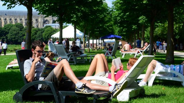 Chalons Plage Bains De Soleil Grand Jard © Office De Tourisme