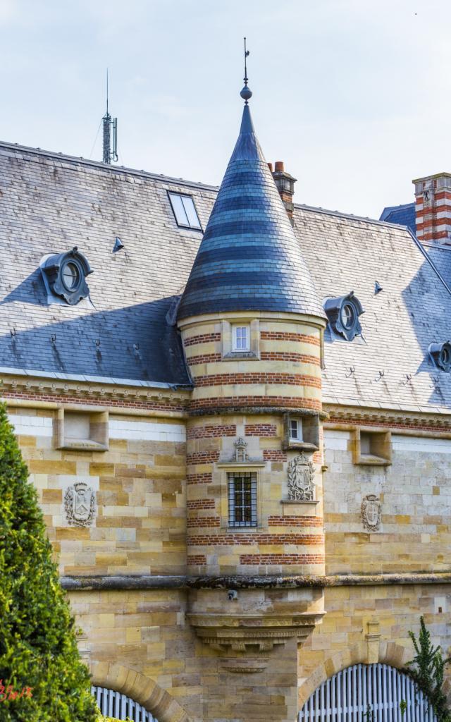 Chateau Du Marche Petit Jard Tourelle © Michel Bister