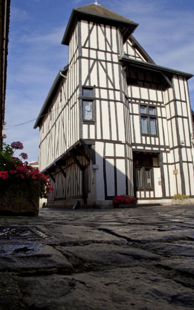 Maison Clemangis Pan De Bois Chalons © Jean Côme Nicolle