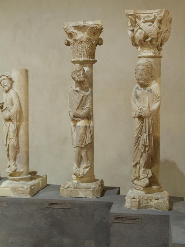 Musee Du Cloitre Notre Dame En Vaux Chalons Statues Colonnes © Office De Tourisme