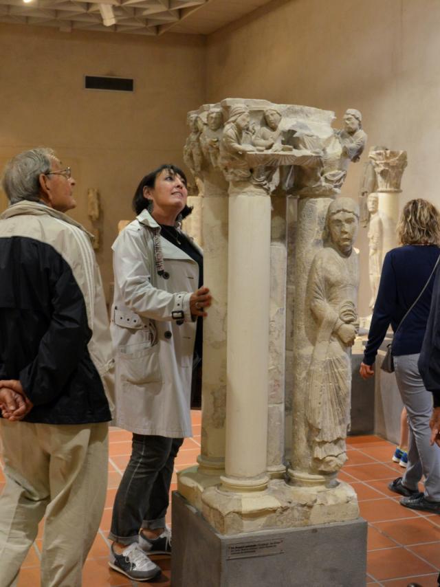 Musee Du Cloitre Statues Colonnes © Christophe Manquillet