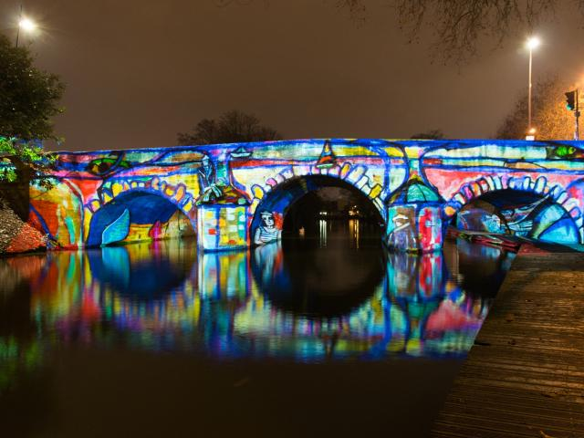 Pont Des Mariniers Spectacle Metamorpheauses Chalons © Gille Corine