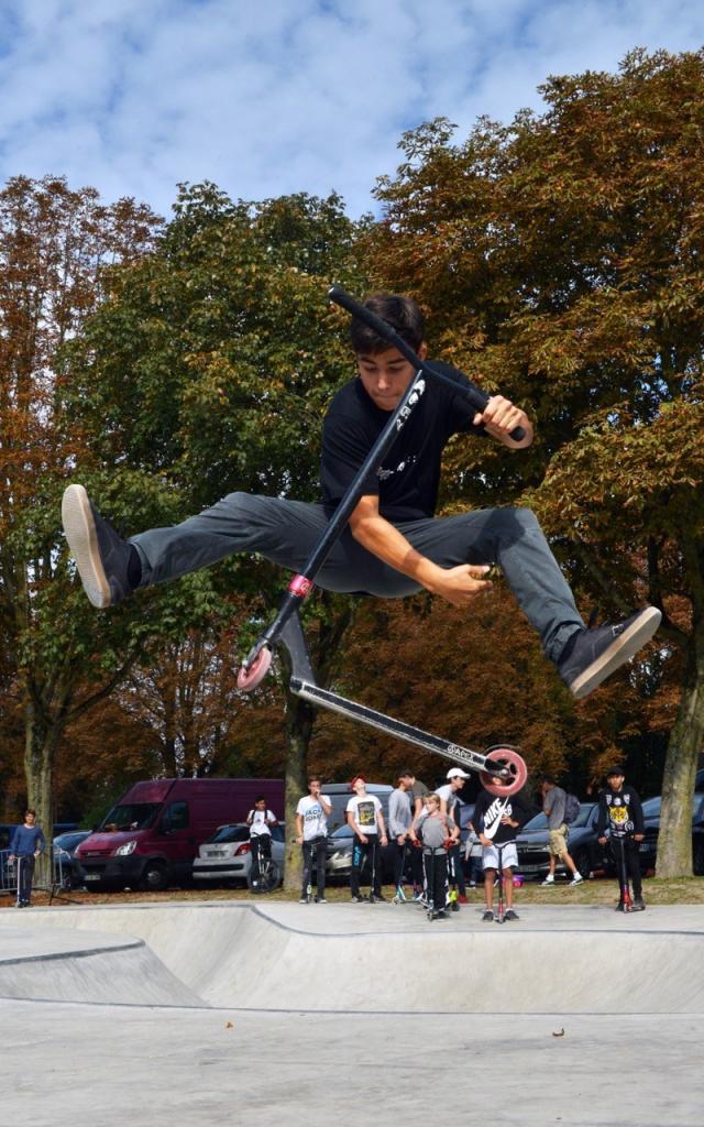 Skate Park Grand Jard Trottinette Jump @ Christophe Manquillet