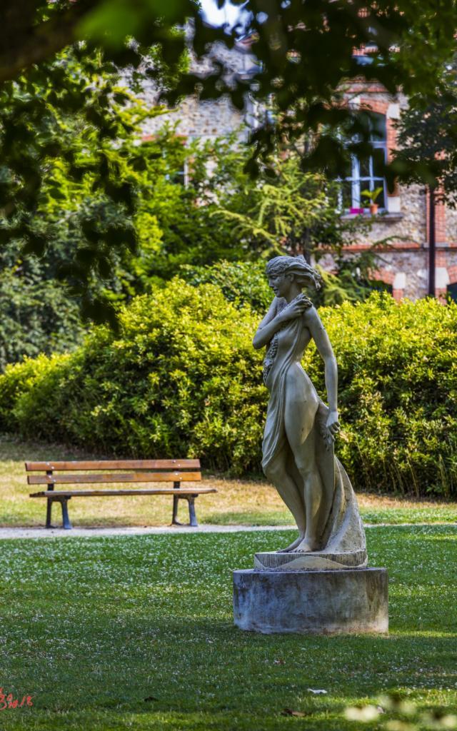 Statue Petit Jard Chalons © Michel Bister