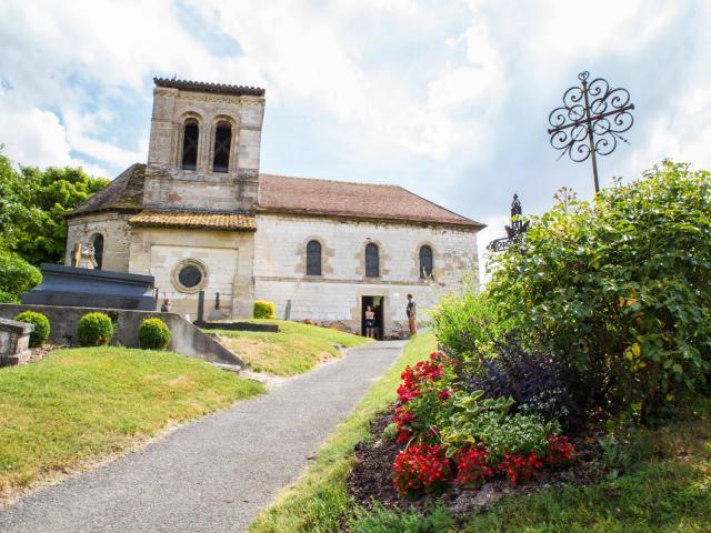 Baconnes Ville Jardin Eglise