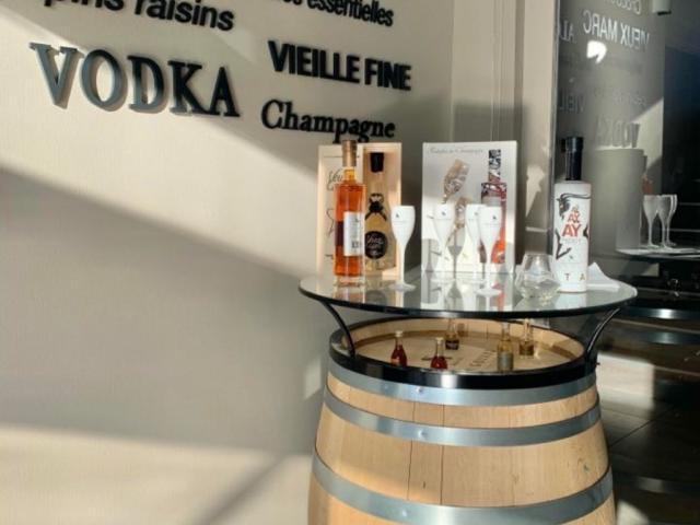 Distillerie Jean Goyard Tonneau Boutique