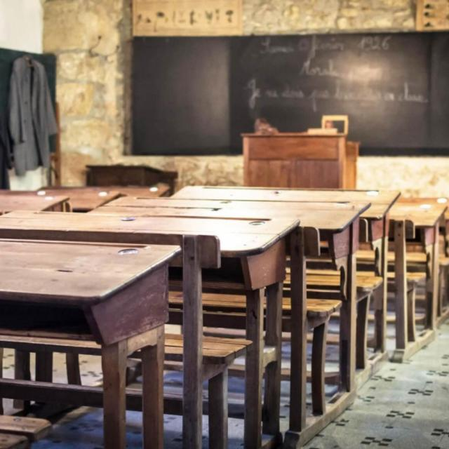 Ecomusee Champenois Ecole 1900 Tables