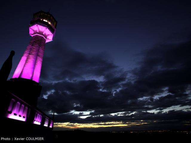 Le Phare De Verzenay By Night