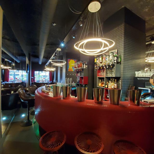 Tiffany Champagne And Wine Bar