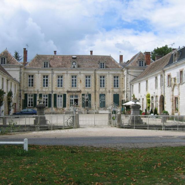 Chateau De Juvigny Chalons (2)