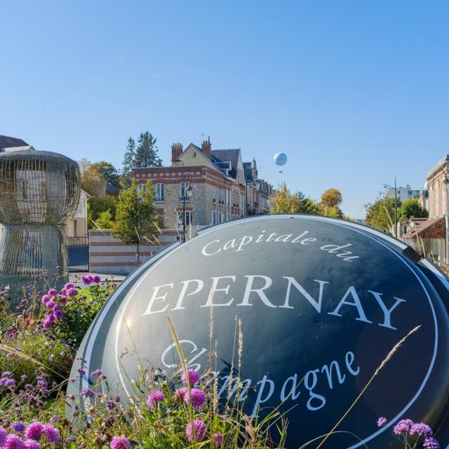 Epernay Avenue De Champagne Bienvenue