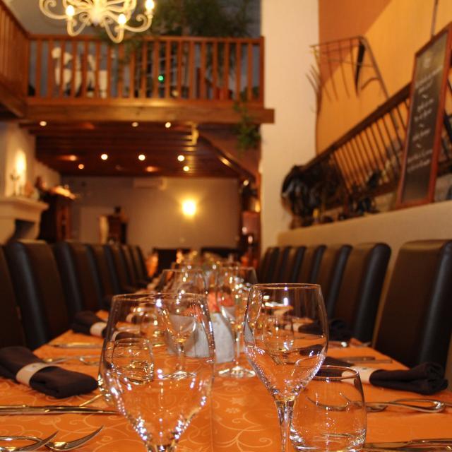 Restaurant Auberge Des Moissons Matougues Table