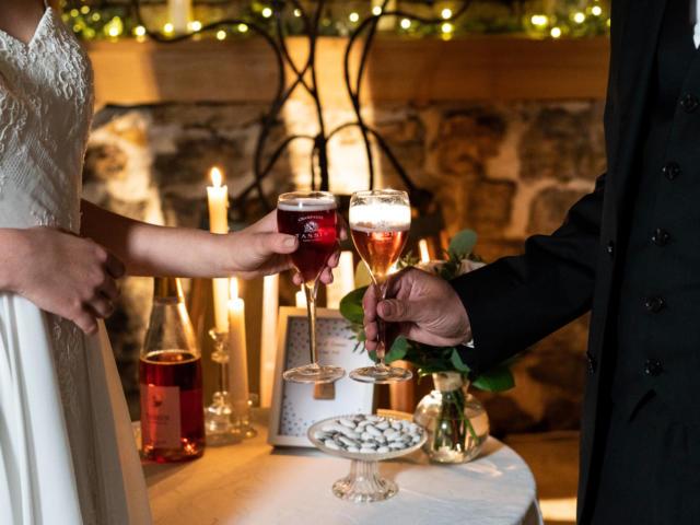2-champagne-tassin-toast-romantique-2.jpg