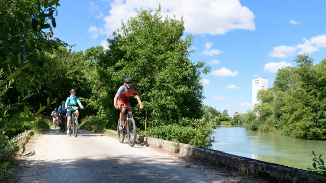 2018-06-22-romilly-sur-seine-auberge-de-nicey-balade-en-vlo-fred-laures-9-1.jpg