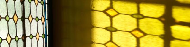 jardindelacathedrale-vitraux04h.jpg