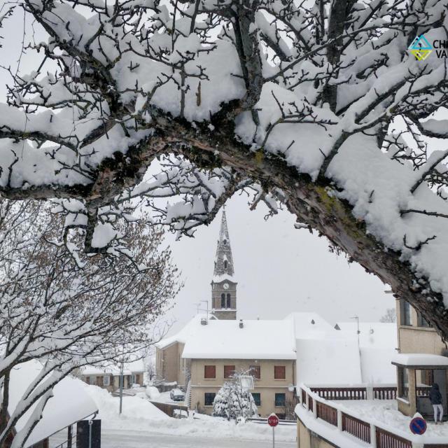 Chute de neige à la station de St léger les Mélèzes