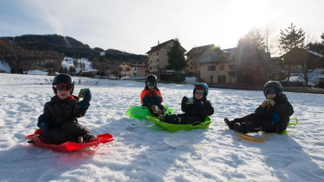 Luge en famille dans les Hautes Alpes Ancelle
