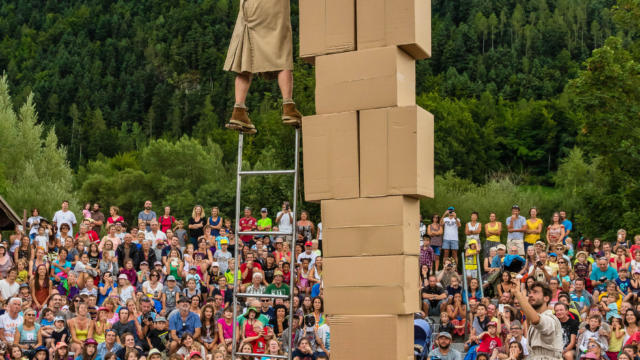 Festival L'Echo des mots 2017 à Pont du Fossé dans le Champsaur, CIE SORALINO