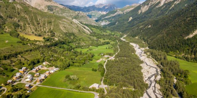 La vallée de la Rouanne à Ancelle