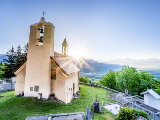 Chapelle de Bois Vert au levé de soleil