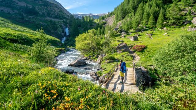 Randonnée pédestre dans la zone coeur du Parc national des Ecrins