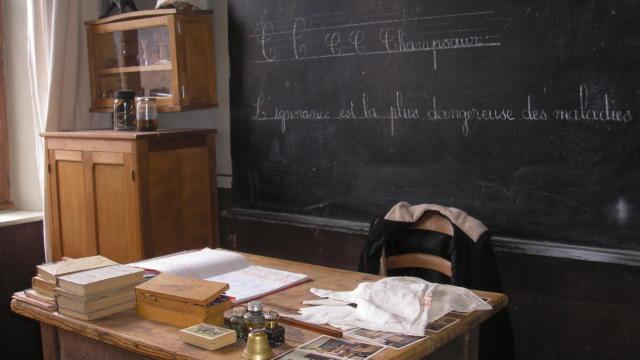 Ecole d'Autrefois dans le Champsaur à St Jean St Nicolas