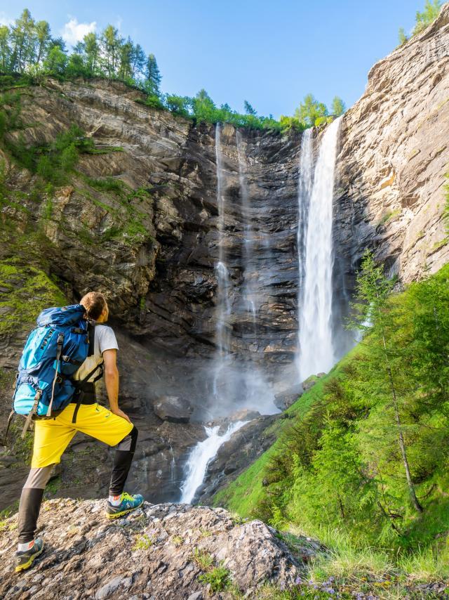 Randonnée à la cascade de la Pisse dans le Champsaur