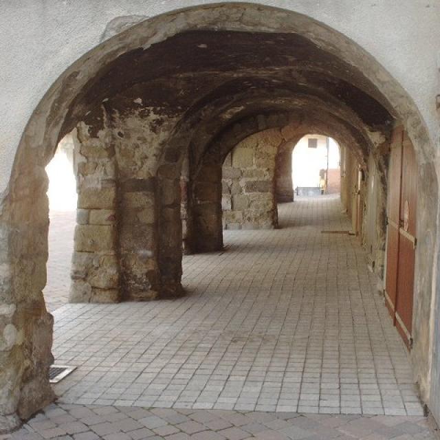 Les Tounes Centre Historique De St Bonnet©aj