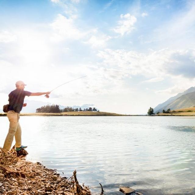 Pêche au lac de Barbeyroux dans le Champsaur