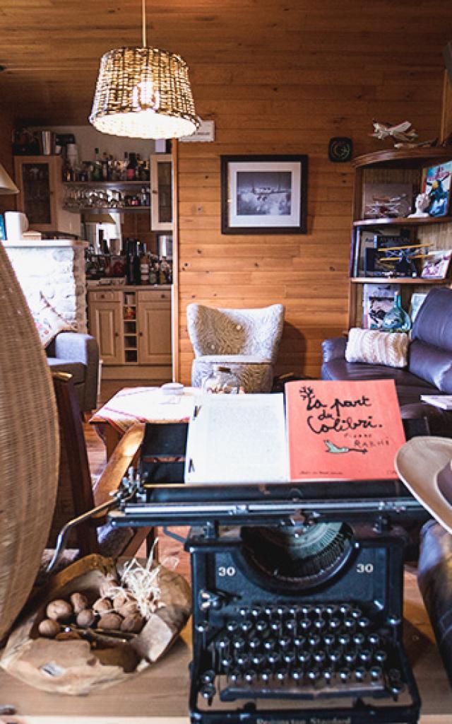 Salon dans la maison d'hôte de la coustille