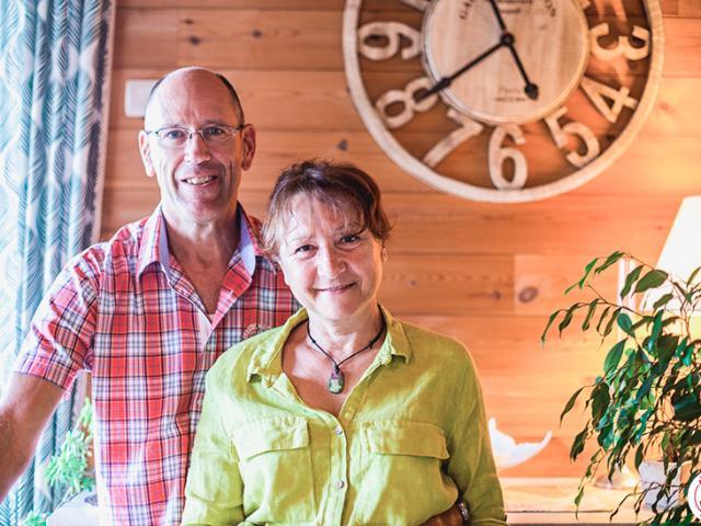 Marcus et Annie de la chambre d'hôtes la Coustille à Saint Léger les Mélèzes